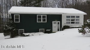 39 Maple, Cheshire, MA 01225