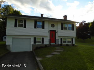 65 St James Ave, Lee, MA 01238