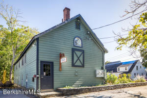 30 Elm Ct, Great Barrington, MA 01230