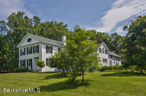 4 Willard Hill, Stockbridge, MA 01262