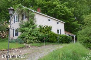 64 Glendale Rd, Stockbridge, MA 01262