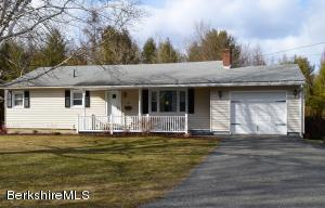 127 Elaine Dr, Pittsfield, MA 01201