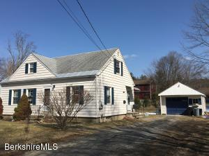 92 Pine Grove Dr, Pittsfield, MA 01201