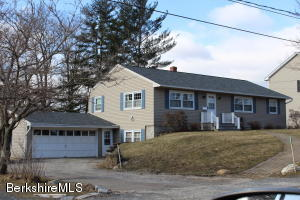 135 Longview, Williamstown, MA 01267