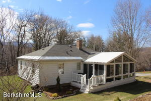 1256 Simonds Rd, Williamstown, MA 01267