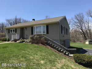 25 Frenier Ave, Williamstown, MA 01267
