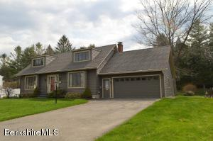 123 Alfred Dr, Pittsfield, MA 01201
