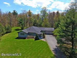 7 Rattlesnake Mountain Rd, Stockbridge, MA 01262