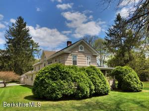 2 Yale Ct, Stockbridge, MA 01262