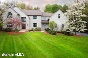 34 Meadow Ridge, Pittsfield, MA 01201