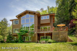 4 East Mountain Rd, Great Barrington, MA 01230