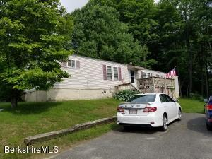 15 Lakewood Cir, Pittsfield, MA 01201