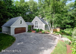 160 Forest Rd, Williamstown, MA 01267