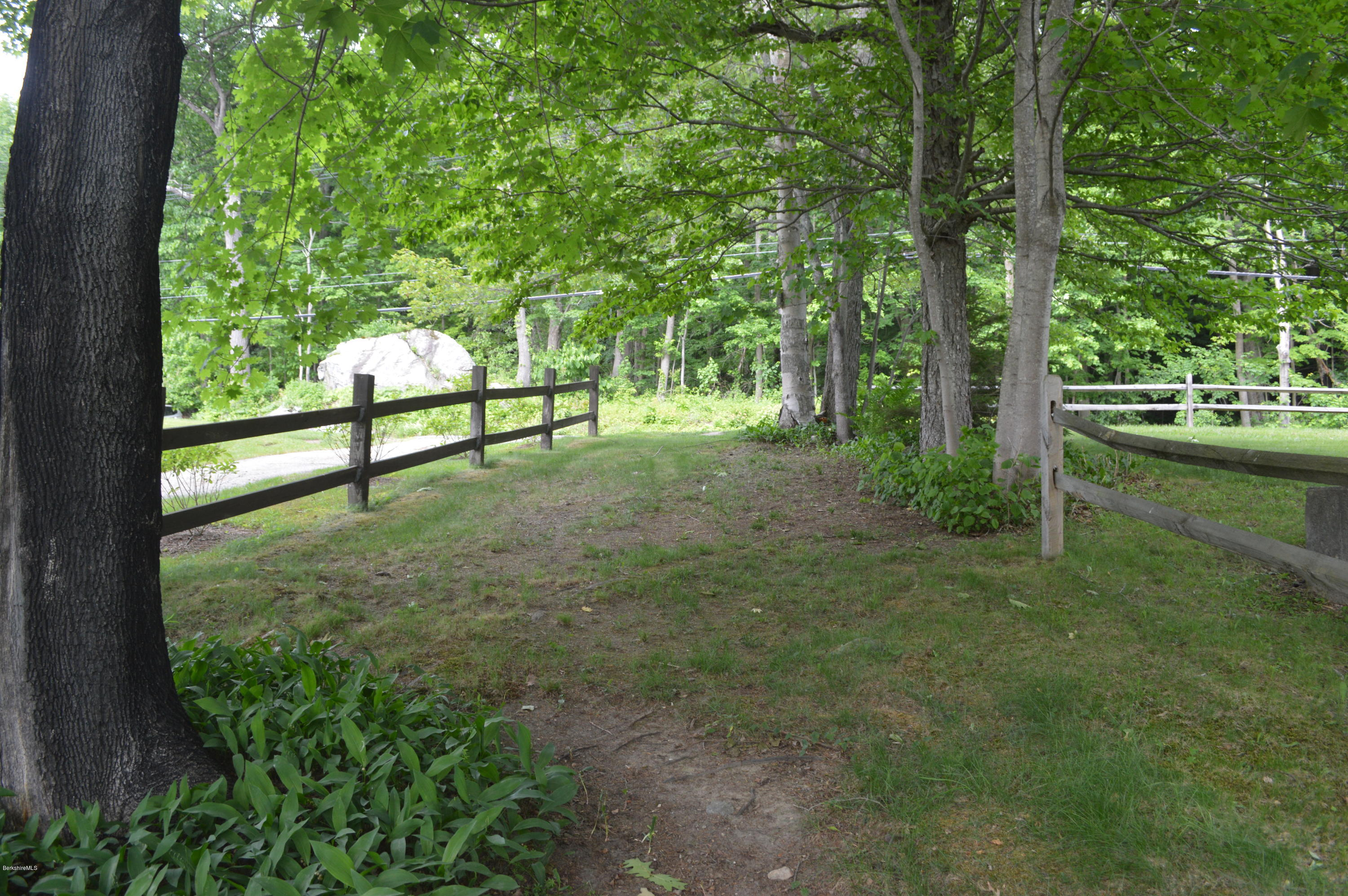 3512 Jacobs Ladder Rd Becket Ma 01223 Mls 223540 Berkshire Printed Circuit Board Property Description