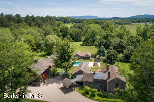 50 East, Sheffield, MA 01257
