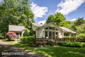 20 Wright Ln, Great Barrington, MA 01230