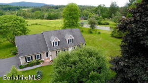 25 Stockbridge, Lee, MA 01238