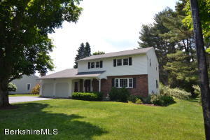 44 Mountainview Dr, Pittsfield, MA 01201