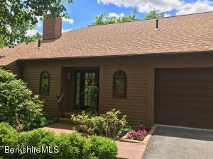 19 Hawthorne, Stockbridge, MA 01262
