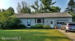 26 Cobble View Rd, Williamstown, MA 01267