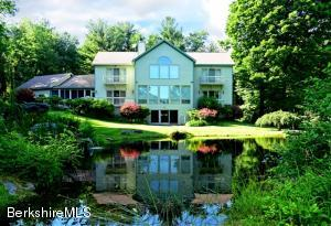 49 Maple Hill, West Stockbridge, MA 01266