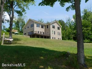 226 Chestnut St, Williamstown, MA 01267