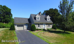 59 Bellmore Dr, Pittsfield, MA 01201