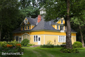 1077 Main St, Great Barrington, MA 01230