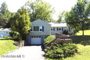 27 Willshire, Williamstown, MA 01267