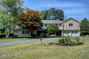 18 Lukeman Ln, Stockbridge, MA 01262