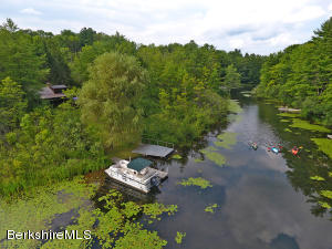 28 Lake Dr, Stockbridge, MA 01262