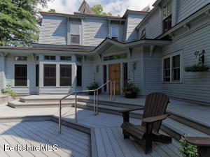 1075 Main, Williamstown, MA 01267