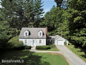 8 Lukeman Ln, Stockbridge, MA 01262