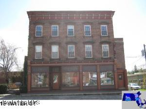 16 S Water St, Williamstown, MA 01267