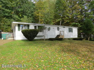908 Mountain, Cheshire, MA 01225