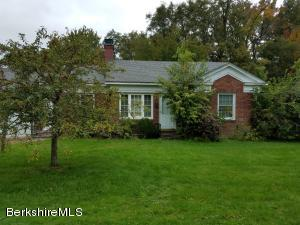 130 Berkshire Dr, Williamstown, MA 01267