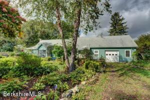 18 Bow Wow Rd, Sheffield, MA 01257