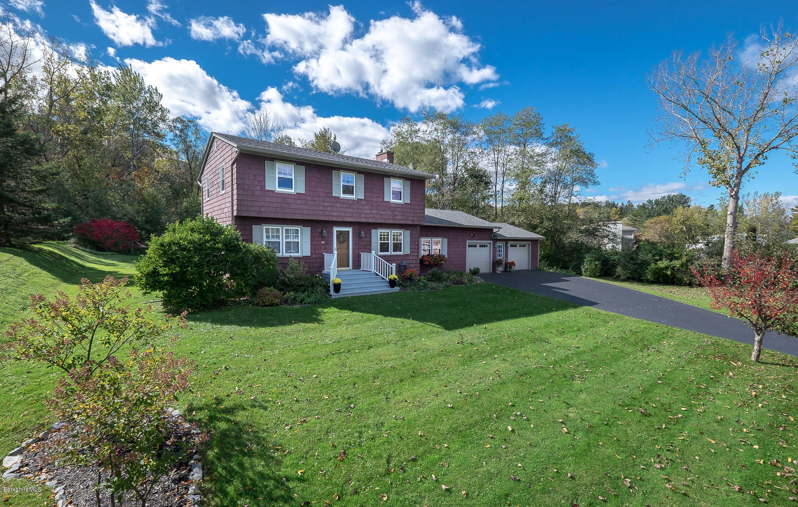 85 Cobbleview Rd Williamstown MA 01267