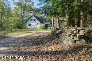 1121 Foley Hill, New Marlborough, MA 01259