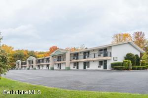 194 Pittsfield, Lenox, MA 01240