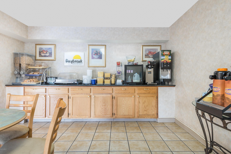 194 Pittsfield Lenox MA 01240