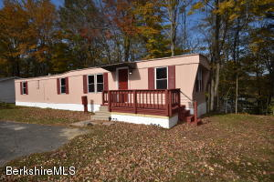 6 Ash Ln Pittsfield MA 01201