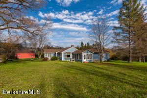 1580 State Rd, Richmond, MA 01254