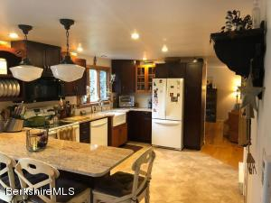 400 Michaels, Hinsdale, MA 01235