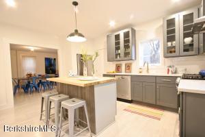 16 Cottage St, Great Barrington, MA 01230
