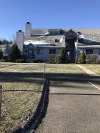 3 Pondview Dr Dr, Pittsfield, MA 01201