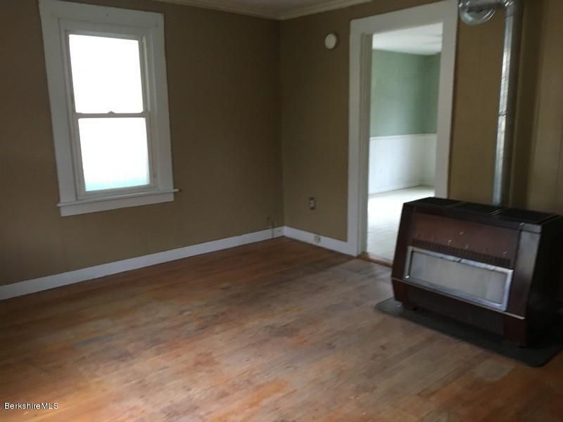 251-308392 Living Room 4