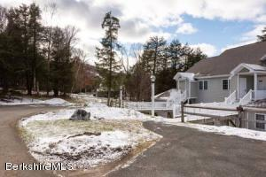 9094 Mountainside Dr # 9094 Hancock MA 01237