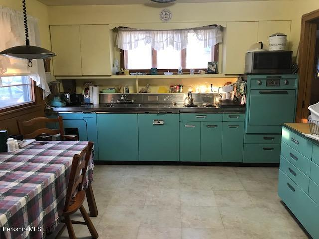 retro kitchen with built in washer