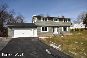 35 Morewood Dr Pittsfield MA 01201